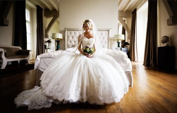 Picture girl, room, bouquet, dress, the bride, Florian Weiler
