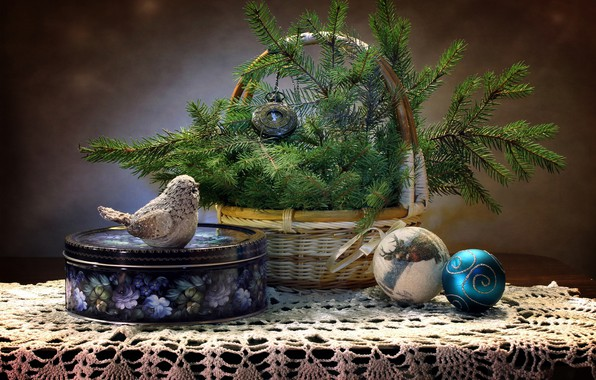 Picture table, holiday, box, bird, balls, basket, toys, watch, Christmas, New year, tablecloth, pine branches