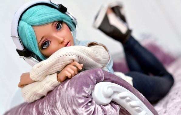 Picture girl, doll, headphones