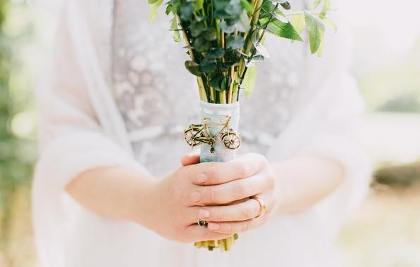 Picture bike, bouquet, hands, fingers