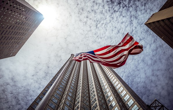 Picture the sky, the city, flag
