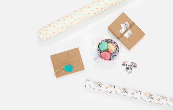Picture the inscription, box, macaroon, wrapping paper