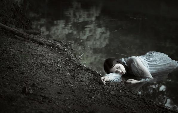 Picture girl, river, Sylvia Mastalerz
