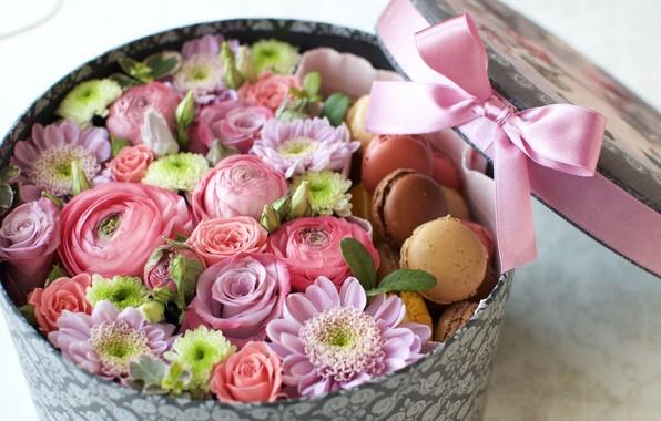 Picture box, rose, bow, chrysanthemum, Ranunculus, macaroon