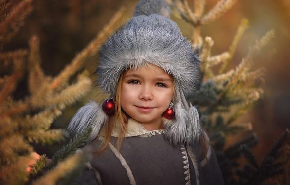 Picture balls, balls, hat, toys, earrings, girl, fur, tree, child