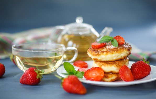 Picture tea, strawberry, cheesecakes