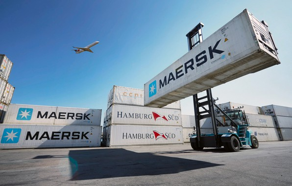 Picture Port, The plane, Container, Maersk Line, loader, Loader, Reach stacker