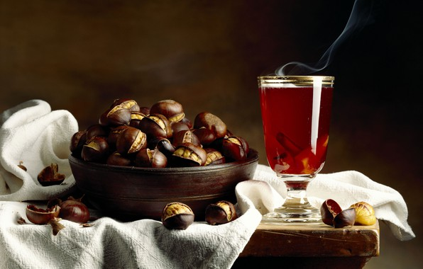 Picture cinnamon, chestnuts, mulled wine