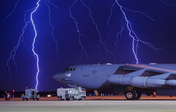 Picture the storm, night, zipper, bomber, the airfield, B-52H, Stratofortres, Boeing B-52