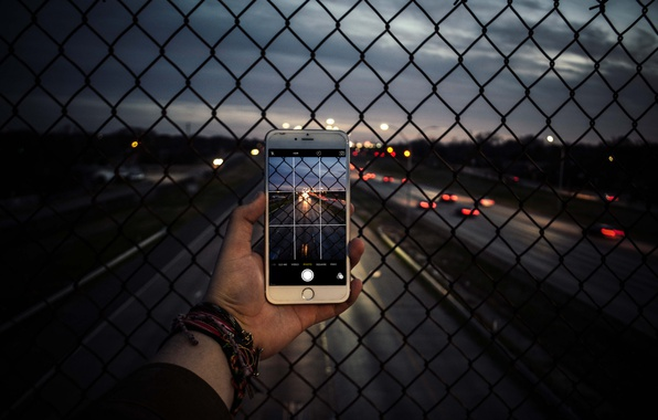 Picture road, photo, hand, the evening, camera, highway, phone, iphone, photographs, the, iPhone, netting