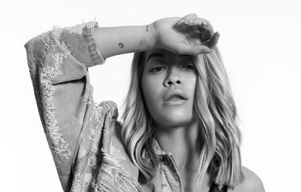 Picture black and white, singer, Rita Ora