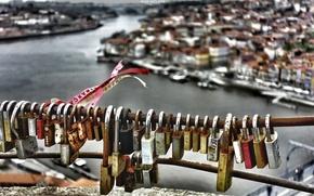 Picture macro, background, locks