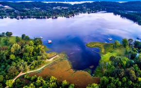 Picture trees, lake, houses, the view from the top, USA, Alabama, Guntersville