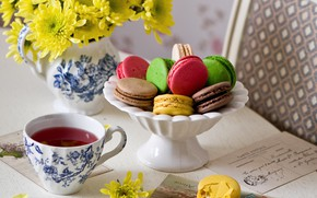 Picture flowers, tea, letters, macaroon