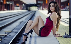 Picture girl, station, Mary