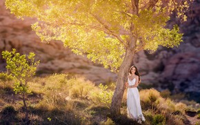Picture girl, light, nature, tree