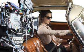 Picture machine, actress, glasses, car, salon, Gal Gadot