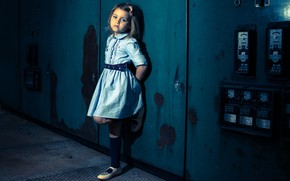 Picture dress, girl, Fabienne Van Brabant, tough girl, appliances