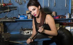 Picture look, face, model, garage, lipstick, car service, SAMANTA