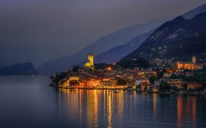 Wallpaper mountains, night, lights, lake, shore, home, boats, lights, Italy, Malcesine