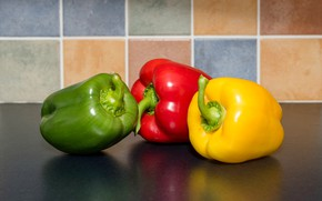 Picture macro, red, yellow, green, pepper, trio, paprika
