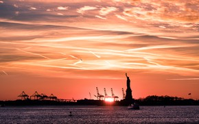 Picture sunset, New York, Statue of Liberty