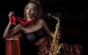 Picture girl, suitcase, saxophone