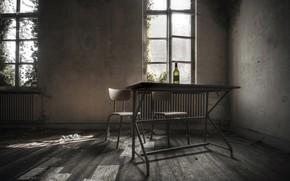 Picture bottle, chair, Parta