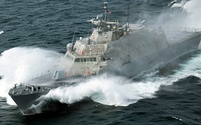 Picture wave, squirt, on the go, uss milwaukee, the littoral combat ship