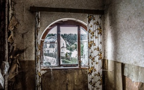 Picture room, bottle, window
