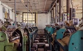 Picture abandoned, decay, power looms