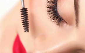 Picture lips, eyelashes, makeup