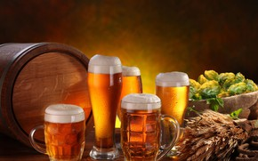 Wallpaper foam, ears, hops, mugs, barrel, beer