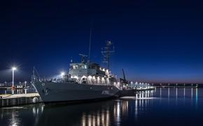 Picture lights, ship, pier