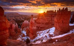 Picture the sun, light, snow, rocks, canyon, USA