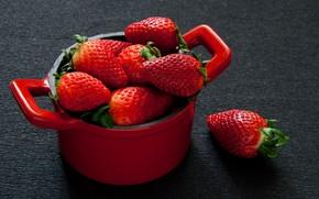 Wallpaper saucepan, strawberry, berries
