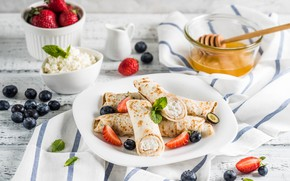 Picture berries, strawberry, honey, pancakes, blueberries, cheese, rolls