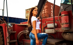Picture machine, pose, model, jeans, Mike, brown hair, Jenni, containers, Miro Hofmann