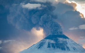 Picture clouds, mountains, smoke, mountain, the volcano