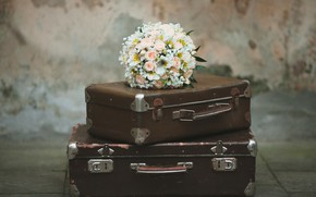 Picture flowers, Bouquet, suitcase