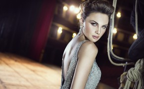 Picture look, style, model, dress, neckline, Stephen Yearick