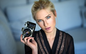 Picture girl, photo, photographer, blue eyes, camera, model, face, blonde, portrait, lip, mouth, lipstick, looking at …