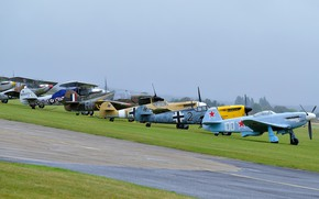 Picture fighters, the airfield, different