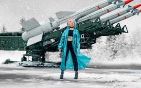 Picture girl, snow, missiles, tattoo, cloak, rocket launcher