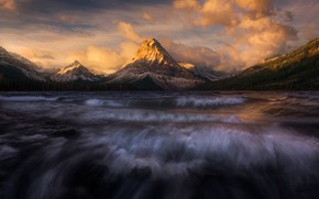 Picture clouds, mountains, river