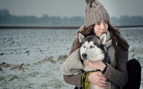 Picture winter, field, girl, mood, hat, dog, scarf, friendship, friends, husky