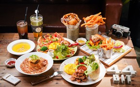 Picture cafe, meat, pizza, lemonade, sandwiches, pasta