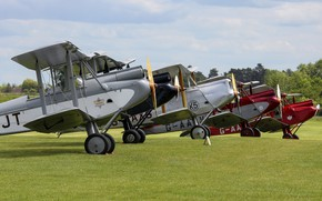 Picture the airfield, Stroy, biplanes