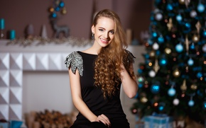 Picture girl, smile, holiday, new year, makeup, dress, hairstyle, tree, brown hair, beautiful, in black, bokeh