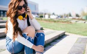 Picture smile, jeans, sunglasses